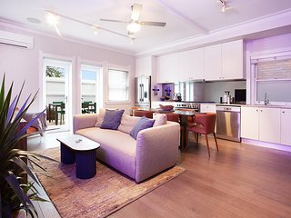 Chic 2 Bedroom Apartment In The Heart Of Bondi