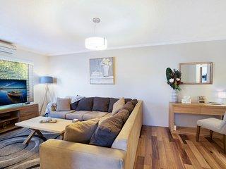 Spacious renovated apartment in quiet area