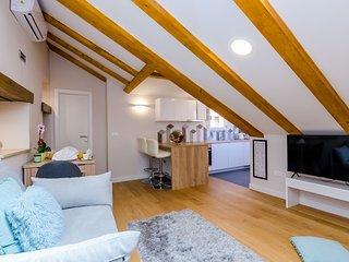 Leonarda Baroque House - One-Bedroom Apartment