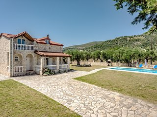 Villa Kathleen - a beautiful country house with large spacious swimming pool