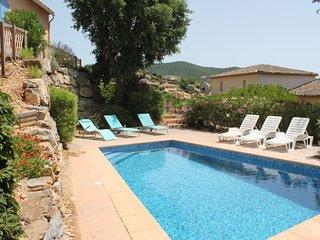 3 bedroom Villa with Pool - 5699875