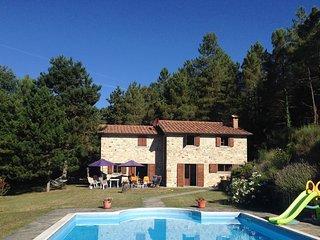Large Private Villa & Pool, Casa Di Fondacci, near Arezzo, Tuscany