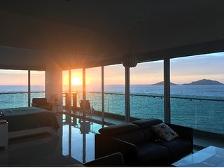 Oceanviews from every room, spectacular sunsets!  Luxury at Torre Eme!