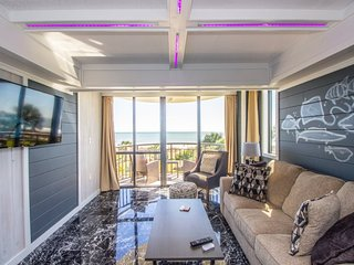 Oceanfront Queen Suite at The Meridian Plaza~Unit 204
