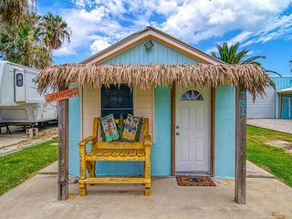Adorable house right in the heart of Port A! Close to the Beach