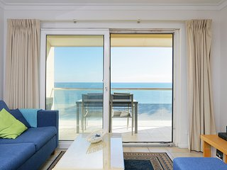 Beautiful 2 Bedroom Oceanfront Apartment