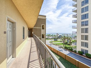 Condo near the beach with access to community tennis courts and pool!