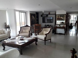 Large 3 bedroom apartment with pool, terrace and panoramic views of the city