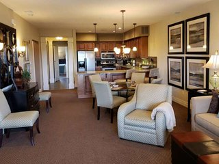 Upscale Near Branson Rec-Plex. A+ Furnishings. Near Payne Stewart Golf Course .