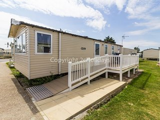 Brilliant 8 berth caravan in a prime location of Seawick park ref 27041