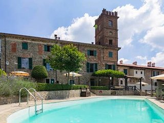 3. Palazzo K - Large Apartment in farmhouse with pool