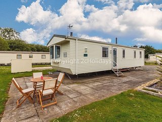 8 berth caravan for hire at Southview Holiday park, Skegness ref 33140V