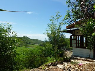 Fam Sugiono Cottage with picturesque landscapes