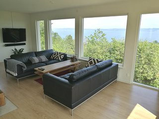 Villa in Jonkoping, breathtaking view over lake Vattern!