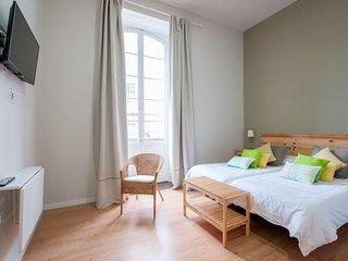 Triana Bella Suites - Drago. Habitación doble con baño+TV+WIFI+Balcón