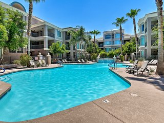 NEW! Tempe Resort Condo, Mins from Papago Park+ASU