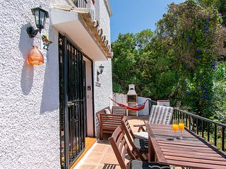 Casa Christabel 1BD sleeps 2/4 walk to Beach and all amenities Free UK TV/WIFI