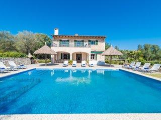 Las mejores vacaciones en la villa Sa Sinia para 12 personas.
