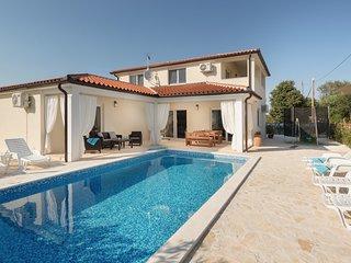 Ferienhaus Villa mit Pool