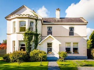 Sleeps 2 - 25 . . Galway Manor House
