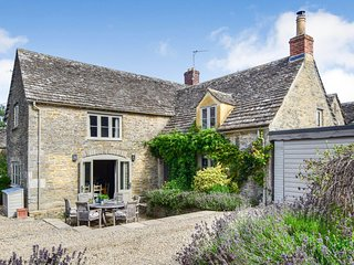Beehive Cottage, Poulton, Cotswolds - Sleeps 6, Poulton, Real Fire, Cotswolds