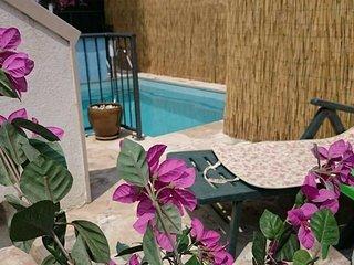 Skrip Holiday Home Sleeps 12 with Pool Air Con and WiFi - 5810355