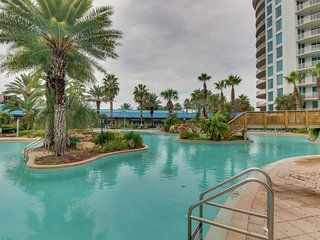 Stylish poolside condo w/ shared pool & hot tub, and beach access