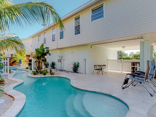 Quiet and peaceful duplex with pool and canal view.