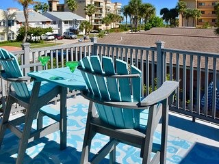 Ocean view townhome w/ private balcony & courtyard - steps to beach, 1 dog OK!