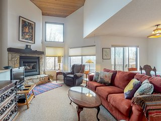 Flagstaff home w/ a gas fireplace and furnished balcony