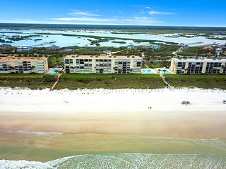 Spacious oceanfront condo with shared pool and tennis courts!