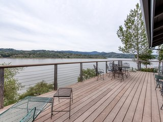 Secluded waterfront home w/ boat dock, large deck, & views of Lake Nacimiento!