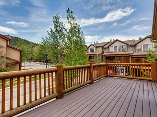 Ski-in/ski-out Park City townhome w/ shared hot tub, pool, & fitness room