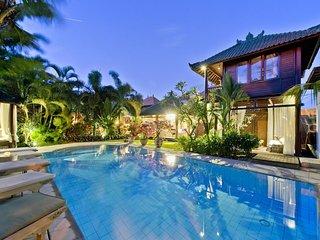 Villa Manggis, 6 bedrooms, Sanur, Bali