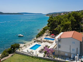 Top location 5 meters to the beach ap. Ivan! New Heated Swiming Pool!