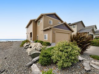 New listing! Direct oceanfront home w/ amazing views & great beach access!