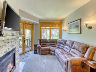 NEW LISTING! Resort condo w/ shared hot tub, gym, tennis, golf - walk to lifts!