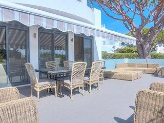 Quinta do Lago Villa Sleeps 8 with Pool Air Con and WiFi - 5810272