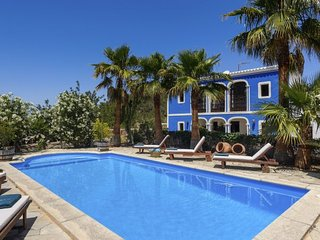 5 bedroom Villa with Pool and WiFi - 5809924