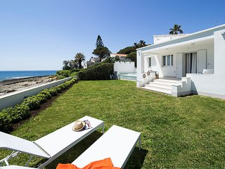 Fontane Bianche Villa Sleeps 4 with Air Con and WiFi - 5810008