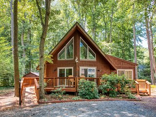 NEW LISTING! Family-friendly home on a wooded lot w/ a loft, deck, & fire pit