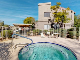 NEW LISTING! Scottsdale condo close to everything w/ shared pool & hot tub