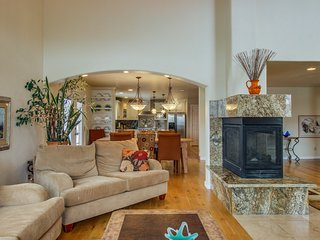 NEW LISTING! Dog-friendly home w/ fireplaces & wet bar - perfect for families!