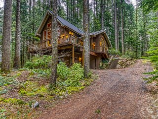 NEW LISTING! Secluded mountain chalet w/ private hot tub, deck, firepit & views!