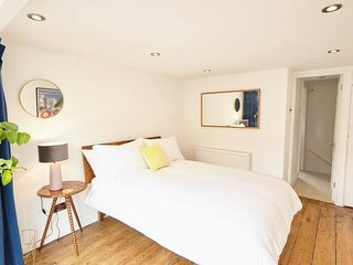 Beautifully refurbished town house by the sea