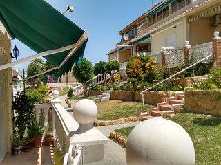 La Siesta Benidorm, Ground Floor 1 Bedroom apartment, Pool, Patio, SAT TV, WIFI.