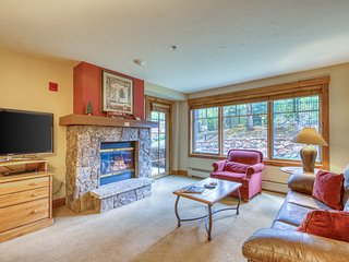 Ski-in/ski-out condo w/ shared pool/hot tubs/gym - near Main ST.