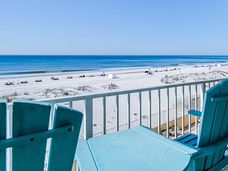 Waterfront condo w/ shared pool, private balcony, & beach access