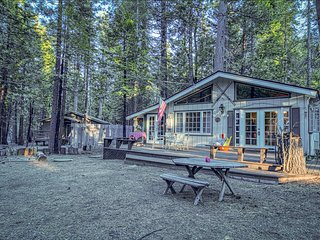 NEW LISTING! Ocean view cottage w/fireplace & BBQ area - on Parker River Beach!