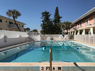 NEW LISTING! Dog-friendly, ocean view condo w/ kitchen, shared pool & free WiFi
